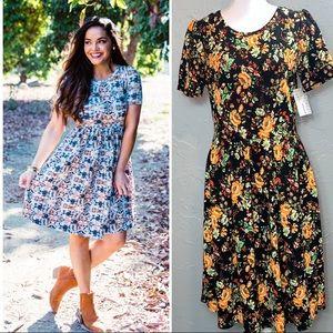 NWT LulaRoe Amelia Floral Short Sleeve Dress - Size Large